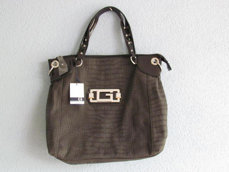 Zwarte tas Artikelnummer: 0725 Prijs: € 24,95