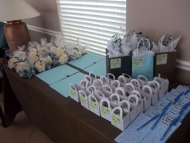 Customized Scented Candles Make Adorable Baby Shower Favors