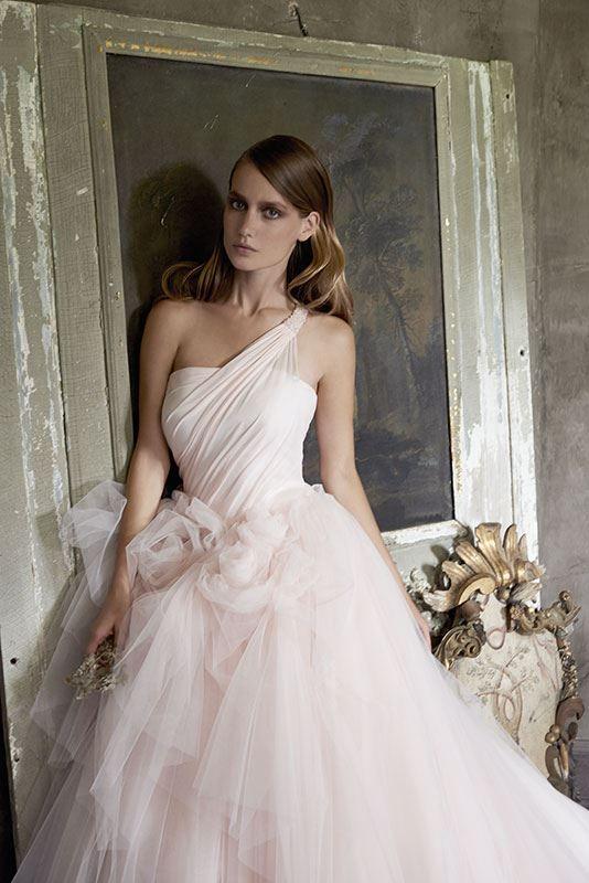 Collezione Signature 2014 - Elisabetta Polignano: abito ampio, tinte sul rosa, con decorazioni a tema #wedding #weddingdress #weddinggown #abitodasposa