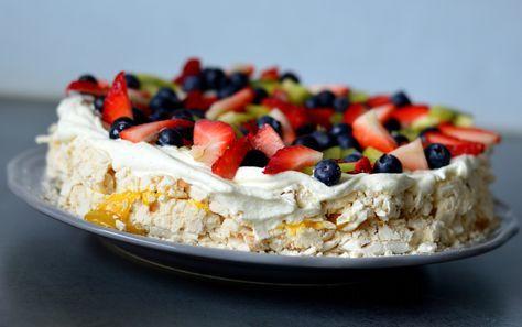 OPPSKRIFT: Marengs: 5 eggehviter 2,5 dl sukker 4 dl Rice Krispies* (frokostblanding) Gul...