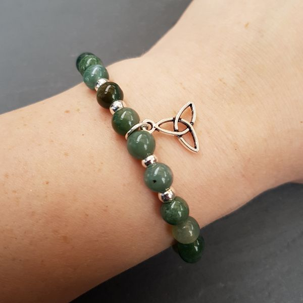 Perlenarmbänder - CLAIRE [Armband Moos Achat mit keltischem Knoten] - ein Designerstück von Myrna_Lovecraft bei DaWanda