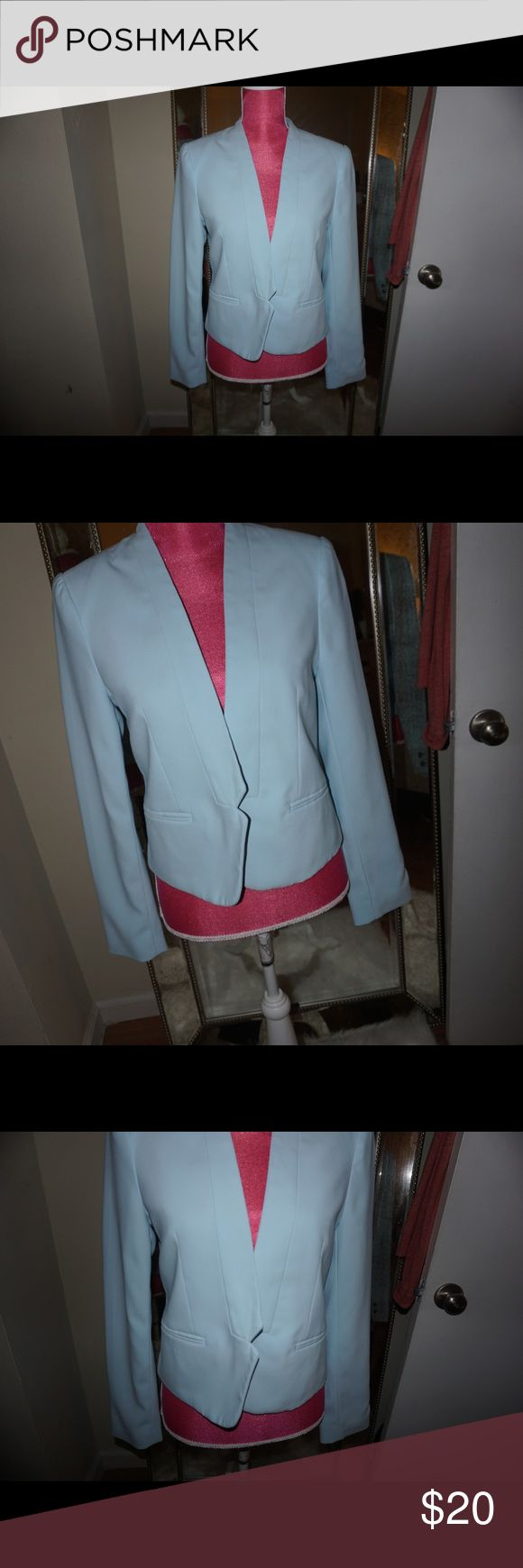 LIGHT BLUE BLAZER In perfect condition ! I've used this only few times ! The color is so nice ! True to size will not trade and I am open to offers ! If any questions please ask ! 💙 Forever 21 Jackets & Coats Blazers
