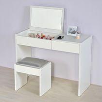 small makeup desk |