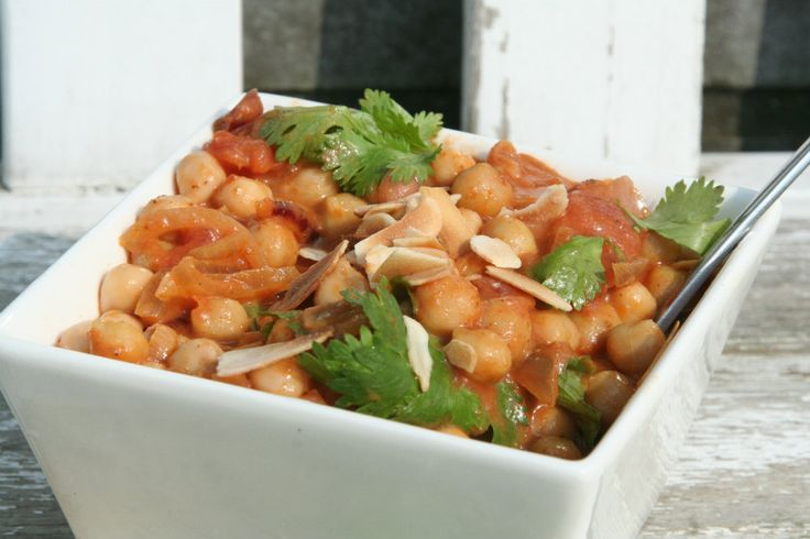 Dit kikkererwten curry recept staat binnen 15 minuten op tafel. Een grote favoriet bij kinderen.