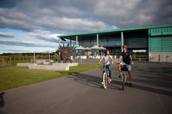 A self guided 3 day cycle wine tour Hawkes Bay, the perfect way to explore this beautiful, sunny region of north east New Zealand.