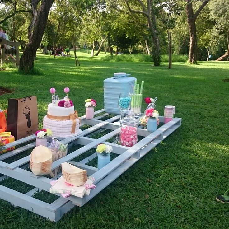 Pastel Summer Picnic by Roses & Pearls.  Painted Wooden Pallets to create the alternative picnic desert table
