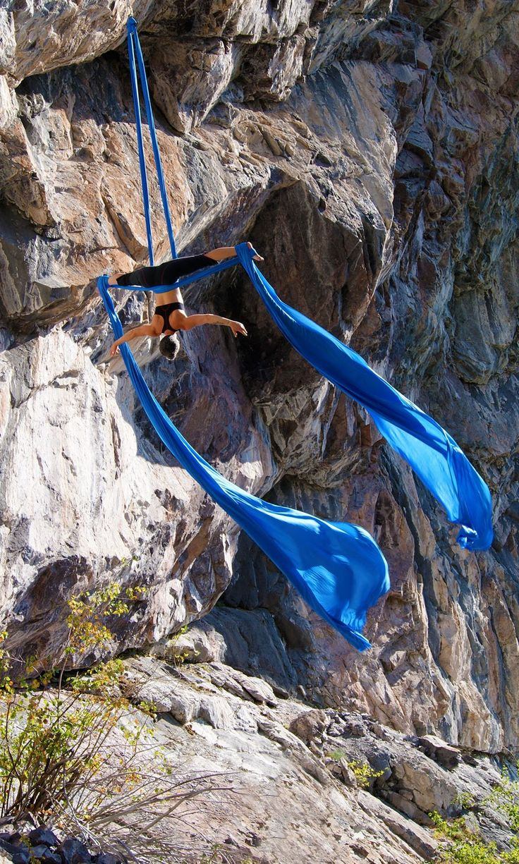 Im kind of addicted! This would be awesome !!!! Aerial Circus between the rocks