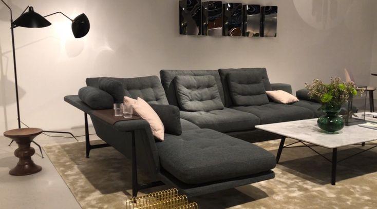 Visitamos IMM Cologne, una de las ferias de mobiliario más importante del mundo. Sofá. Lámpara de piso. Mesa de centro. Tapete. Encuentra dónde comprar este diseño y Producto en Colombia.