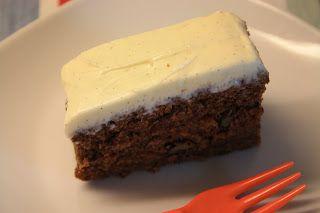 Til min fødselsdag i lørdags for vores mors side af familien, lavede jeg min yndlings bradepande-kage. Det er virkelig den bedste opskrift. ...