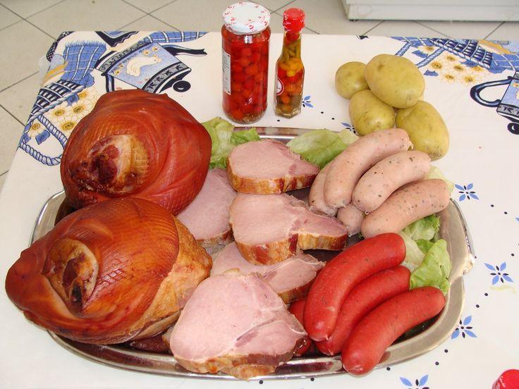 Pratos típicos alemães (joelho de porco, kassler, salsichas berger e branca)