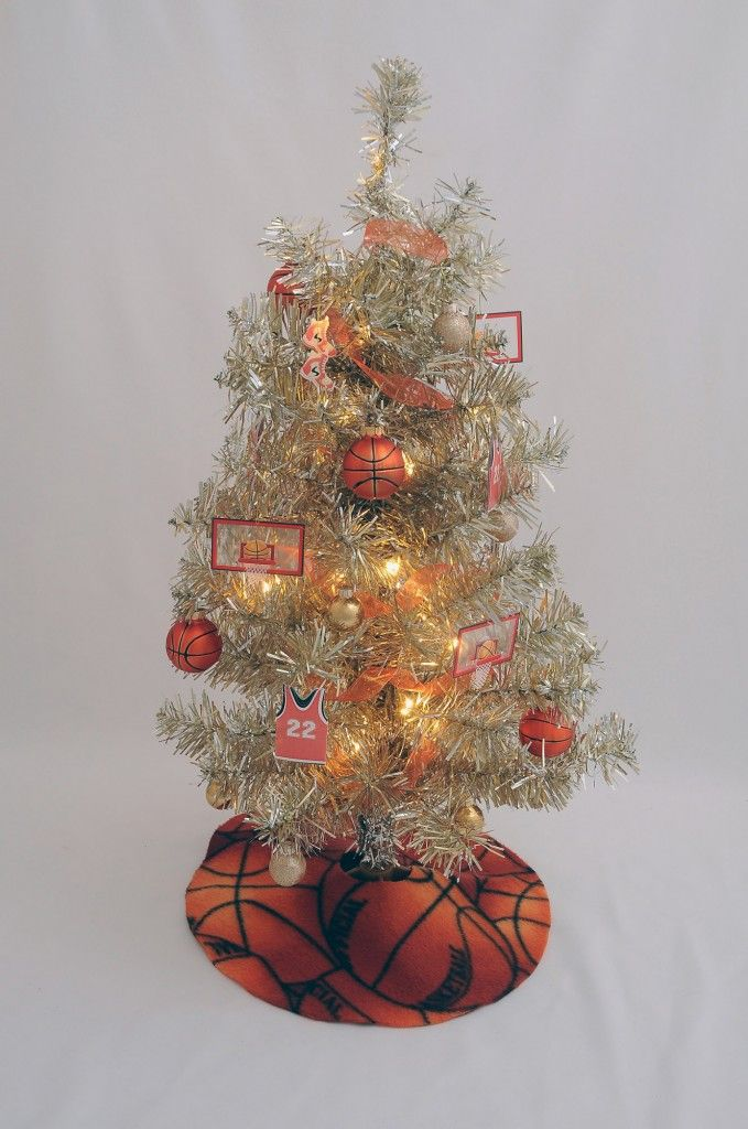 Basketball Fan Christmas Tree | Home Holiday Decor - Christmas Decor - Milwaukee, WI | Bloom! Landscaping | www.bloomlandscaping.com