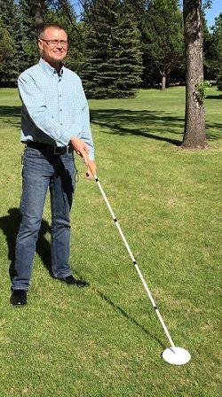 paul olson demonstrating Dakota Cane tip