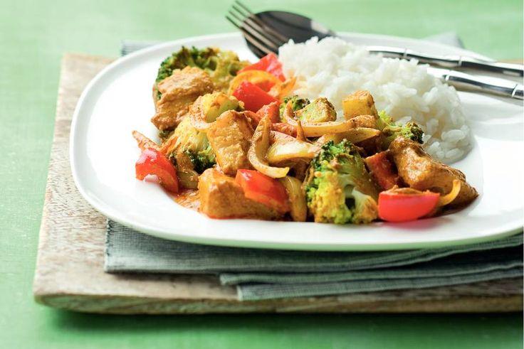 Kijk wat een lekker recept ik heb gevonden op Allerhande! Indiase viscurry met broccoli