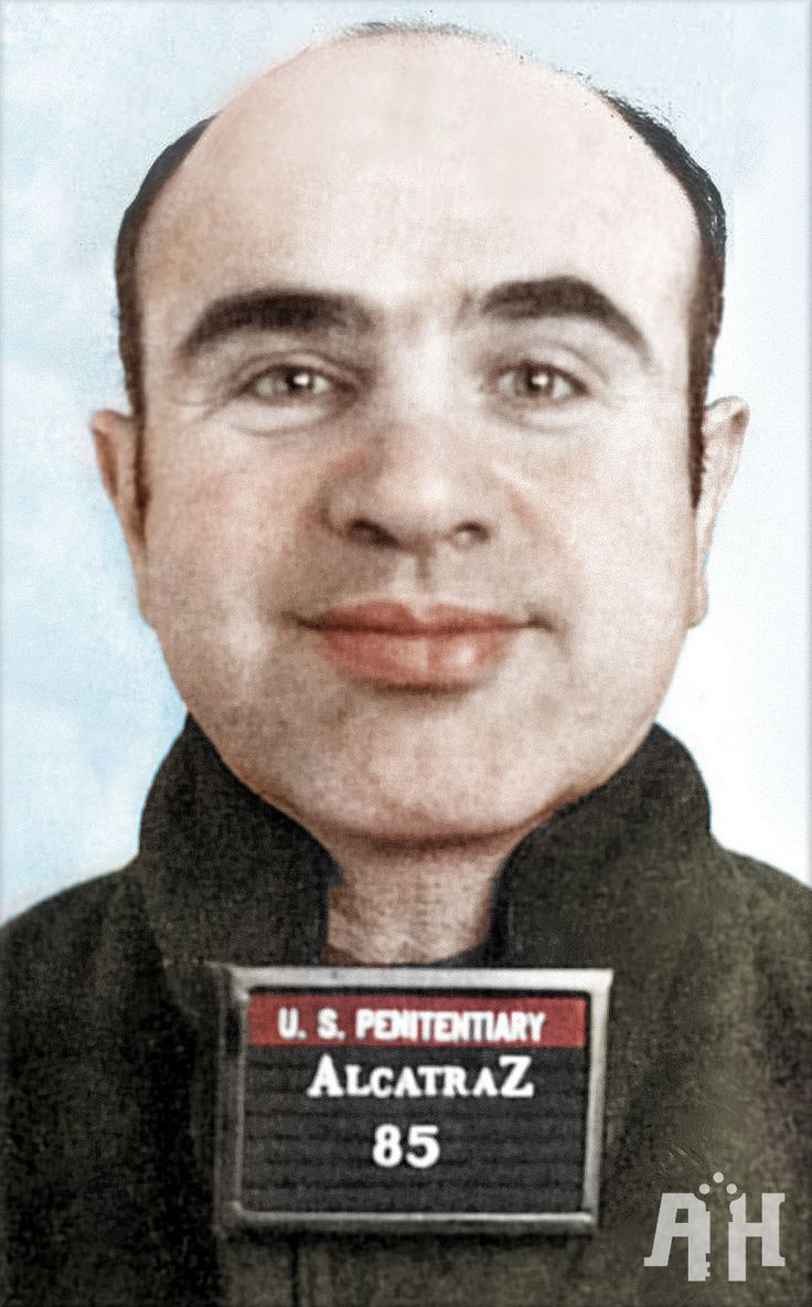 1932 - Mobster Al Capone begins serving an 11-year sentence for income tax evasion in a federal prison in Atlanta.