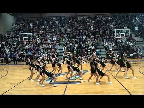 Dutchtown High School Varsity Cheer - Lutcher Pep Rally! Want to do this at a rally!