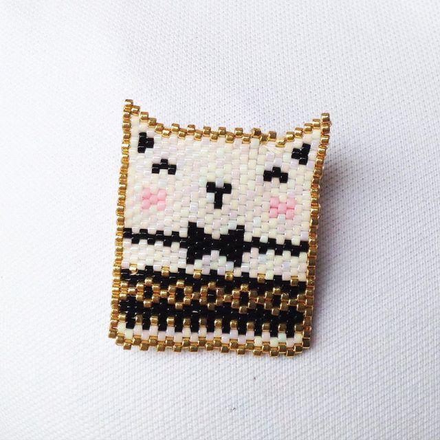 Un petit Sobi pour Ines ma petite nièce en vacances à la maison. Un petit présent en souvenir ( évidemment non commercialisé) #cadeau #clindoeil #jenfiledesperlesetjassume #jesuisunesquaw #miyuki #sobigraphie #cat