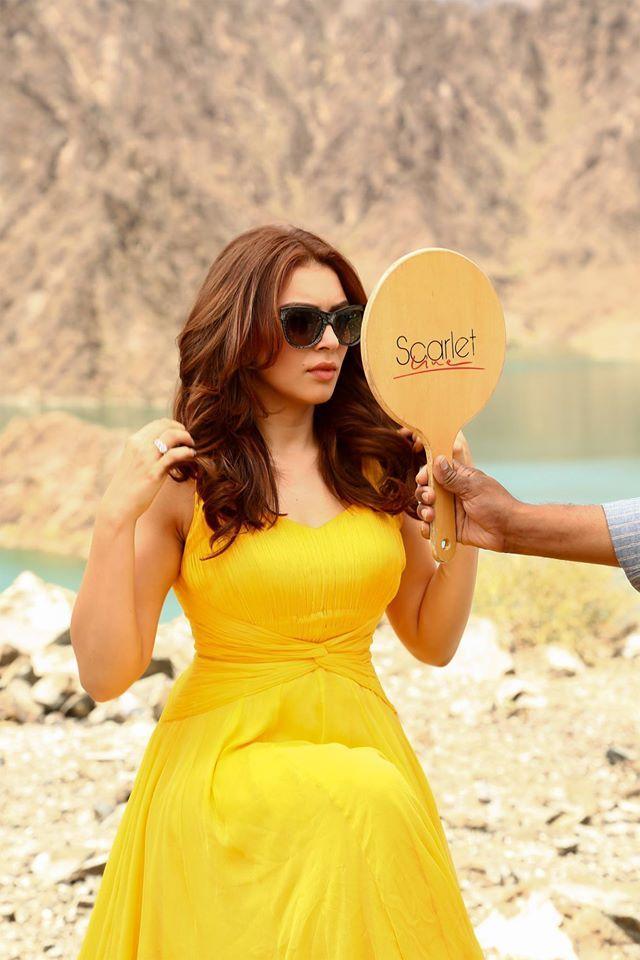 Goutham Nanda Telugu Movie Working Stills ! Goutham Nanda On the set stills, Actress Hansika looks beautiful in Yellow Dress. | Goutham Nanda: WoodsDeck