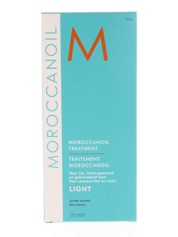 Moroccanoil Treatment Treatment Light Olie Fijn/Lichtgekleurd/Geblondeerd Haar 125ml  Morocconoil Treatment Light. Een product voor conditioneren stylen en afwerken in één. Maakt gemakkelijk doorkambaar en verhoogt de handelbaarheid. Herstelt de elasticiteit en de glans en revitaliseert het haar. Bekort de droogföhn- en stylingtijd. Moroccanoil Treatment Light biedt dezelfde glanzende gladde wonderbaarlijke resultaten als de originele formule maar heeft een lichtere samenstelling die perfect…