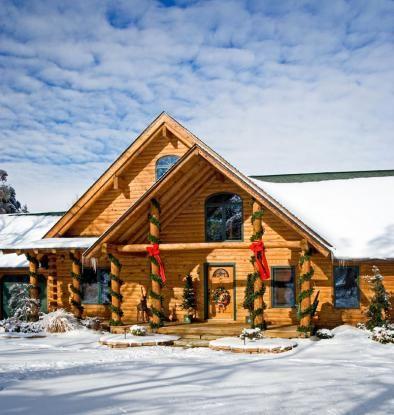 Kentucky log home decorated for Christmas