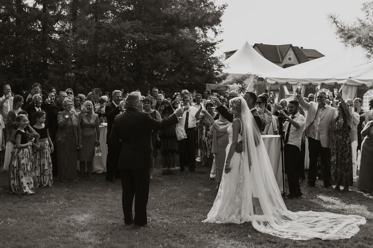 Elegant boho tent wedding; PHOTOGRAPHY Joel + Justyna Bedford; Ottawa wedding photographer;