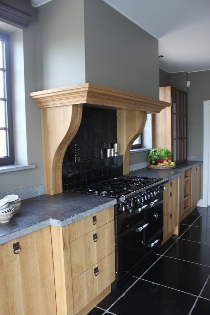 17 beste idee n over ijzeren deuren op pinterest smeedijzeren deuren stalen deuren en - Eigentijdse houten keuken ...