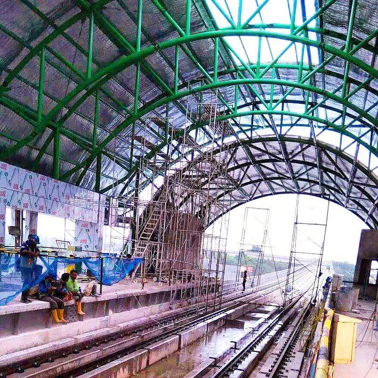 Progres stasiun LRT Asrama Haji Palembang  Photo by Iswadi  #palembang #LRT #LRTproject #LRTsumsel #LRTpalembang #stasiunLRT #asramahaji #construction #progress #roadtoasiangames2018