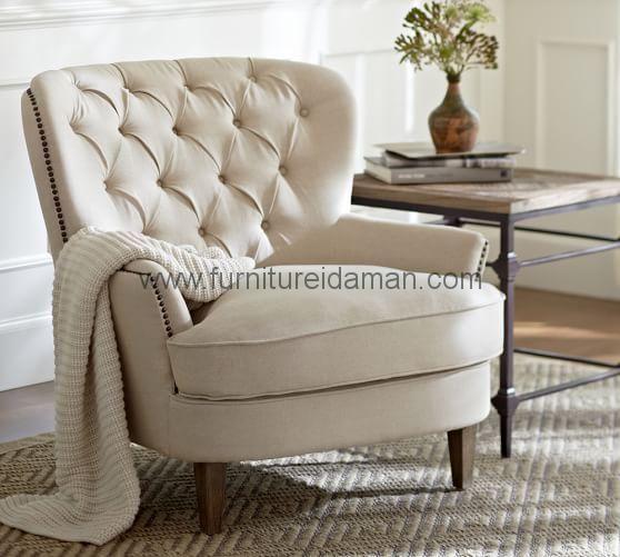 Jual Kursi Sofa Cardiff Singgle Jok Putih,kursi ini sangat populer sekali di daerah eropa ini bisa di lihat dari desainnya yang klasik latin.WA 081318632739