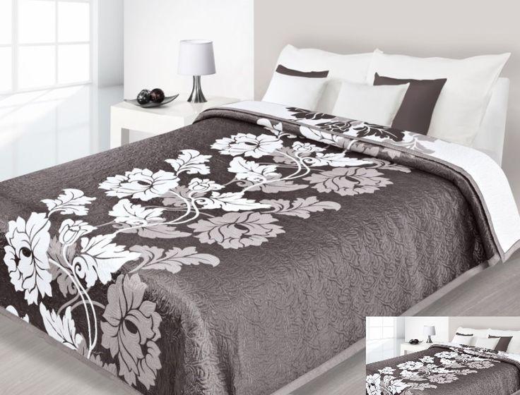 Hnedo biele obojstranné prehozy na posteľ s kvetmi