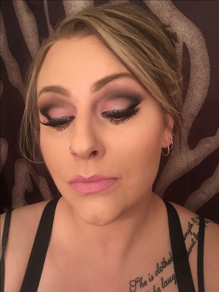 Valentine's Day little bit of pink #younique