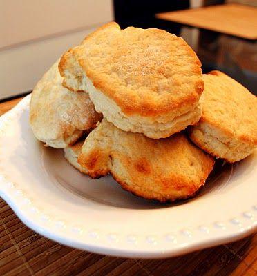 Buttermilk bisquits, breakfasts, biscuit, biscuits, bake