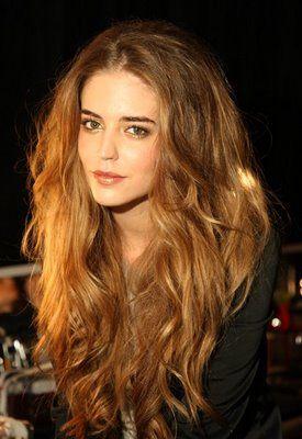 Savannah, teased hair