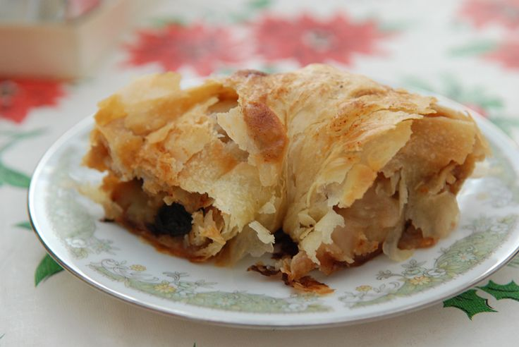 Authentic German Apple Strudel (Apfelstrudel) Pinned and Did It! Used crushed shortbread in place of bread crumbs.