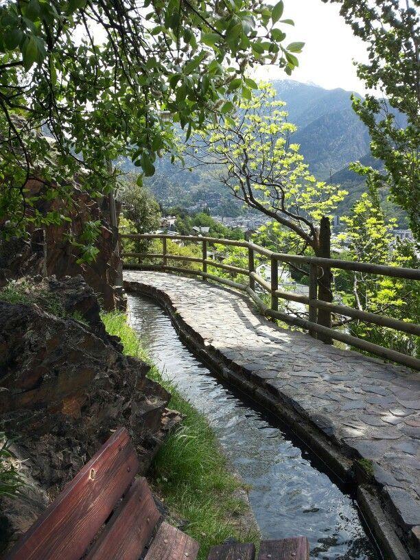 Andorra la vella. Canals.
