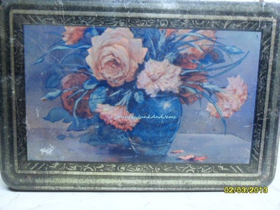 French Sugar Tin with picture of a Vase Of Roses by TinTack, €10.00