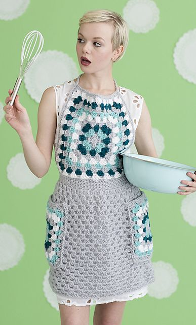 Get cooking with a good-looking apron made in washable yarn.