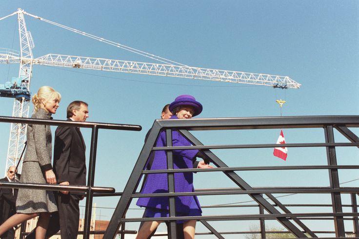 HRH Queen Elizabeth II visits Sheridan College, Oakville, ON (Photo by: Barbara Webb)