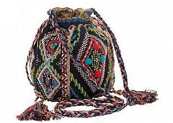 Новая коллекция женских аксессуаров и украшений осень-зима 2010-2011 от Accessorize под названием   Global Gypset выполнена в стиле 70-х годов.Стиль хиппи