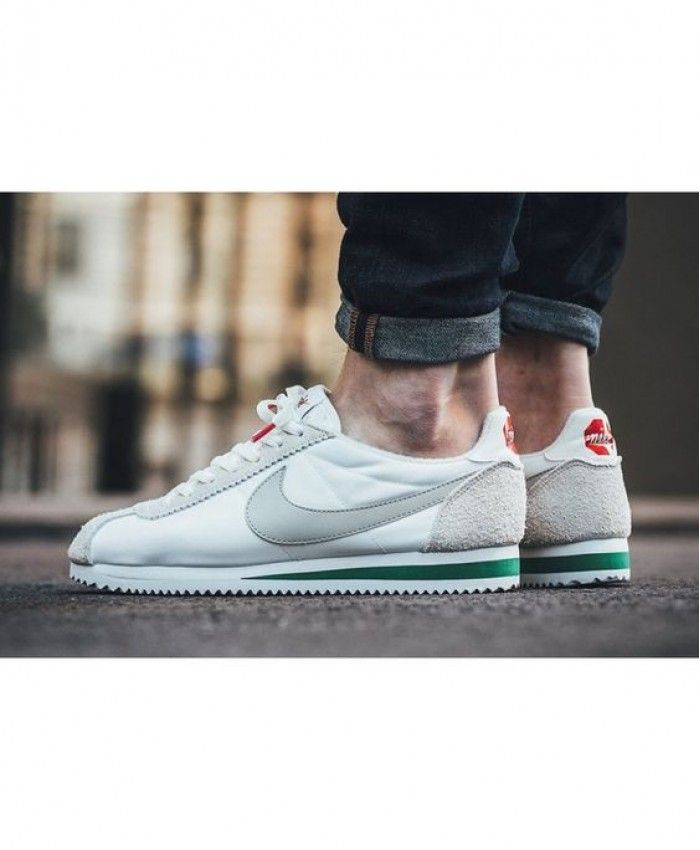 check out 5ae54 aaab2 Nike Cortez Man White Gray Green Trainer Clearance