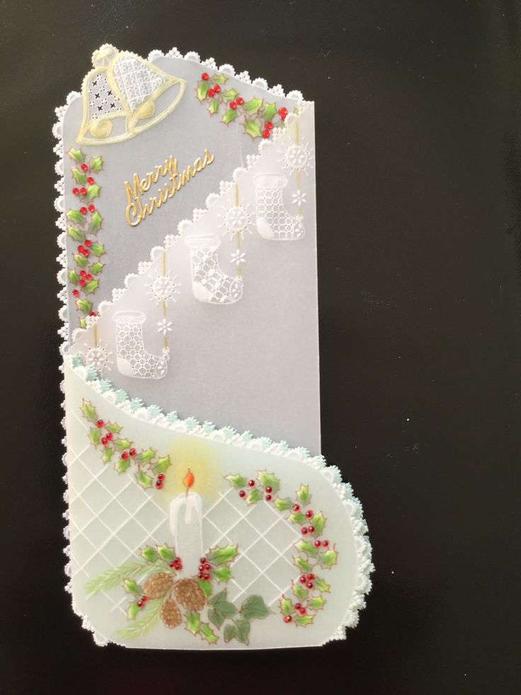 Created by Miss Jilly from a Parchment Craft Magazine pattern.