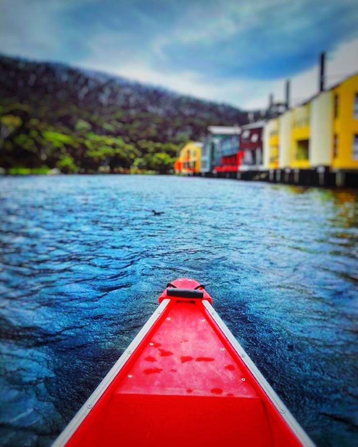 Collect moments not things.  At @lakecrackenback our $10 pp Day Pass includes Kayaks Canoes and SUP use...plus many more activities. . . . . Repost @zanattairene  28 XII 2017 Canoa in Lake Crackenback  #canoa #lakecrackenback #jindabyne #thredbo #australia #crackenback #takemebacktocrackenback #takemeback #crackenbacklover #crackenbackholiday #lovejindy #jindabyne #snowymountainsnsw #destinationjindabyne