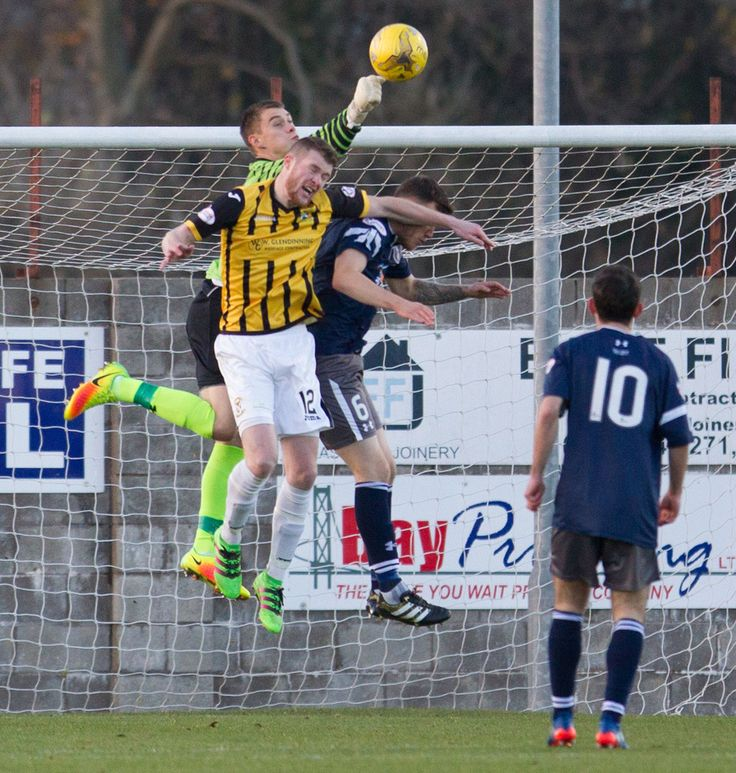 Queen's Park's Wullie Muir in action during the Ladbrokes League One game between East Fife and Queen's Park.