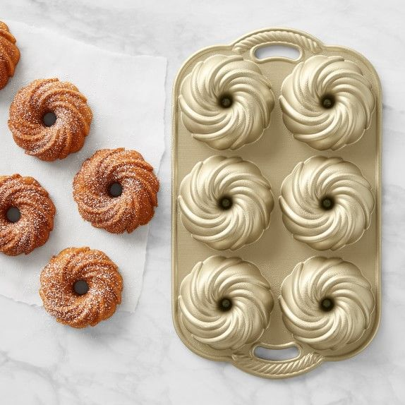 Nordic Ware Swirl 6 Mini Cakelet Pan Mini Bundt Pan Williams Sonoma In 2020 Nordic Ware Nordic Ware Bundt Pan Mini Cake Pans