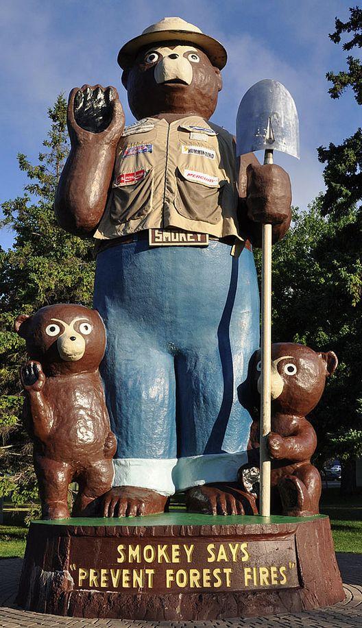 Smokey the Bear & Cubs ~ International Falls, MN.
