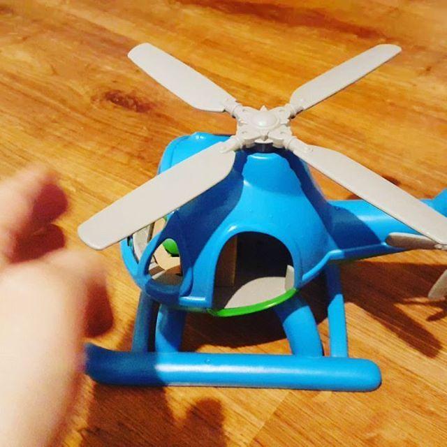 Kupiłam dziecku prezent i nie mogę sie doczekać żeby mu go dać  Ma ktoś podobnie? On MARZY o takim helikopterze od miesięcy  @bigjigstoys #bigjigtoys #helicopter #helikopter #śmigłowiec #zabawka #zabawki #eko #eco #toys #boys #dzieci #dziecko #toddler #gift #prezent #kakaludek
