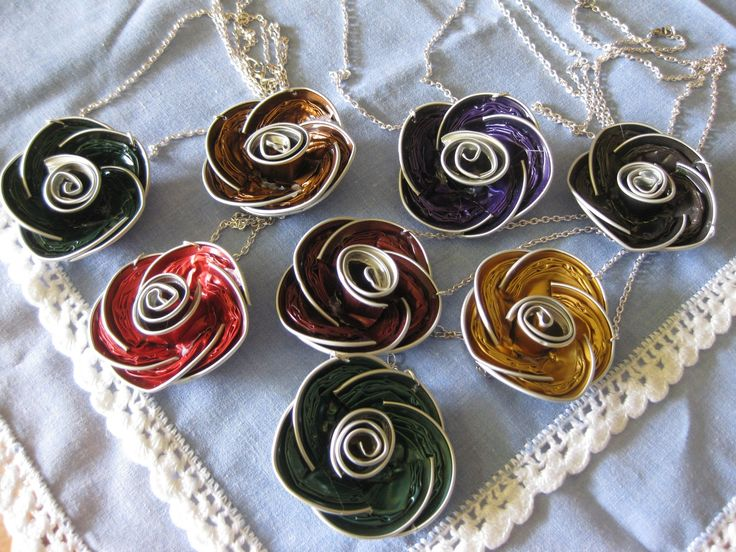 Roses fetes amb càpsules Nespresso.... I had intended to recycle, but this is so cool!