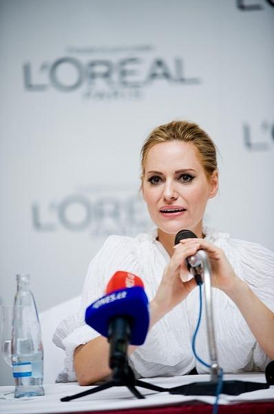 MFFKV: Aimee Mullins na tiskové konferenci