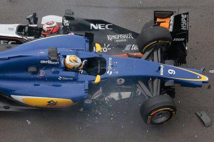 Lewis Hamilton and Mercedes Win Crash-Marred Russian Grand Prix