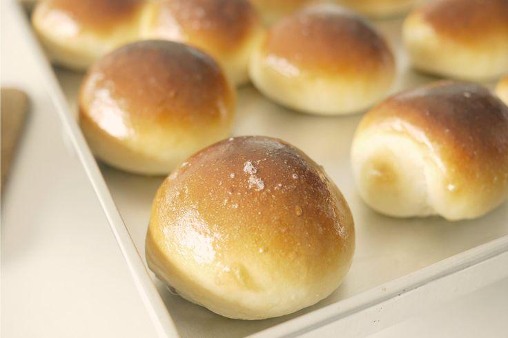 I panini morbidi Bimby sono soffici, profumati e ideali per essere farciti in versione dolce o salata. Vediamo insieme la ricetta