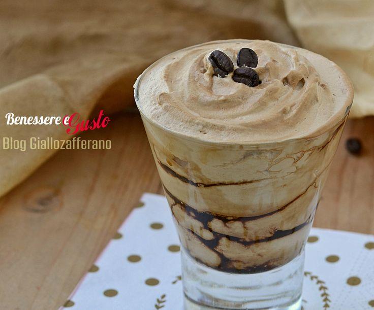 Crema di caffè veloce senza uova dessert facile e veloce ideale da gustare anche come gelato da esaltare con caramello, cioccolato e nocciole