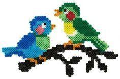 De beaux oiseaux pour faire venir le printemps en perles Hama